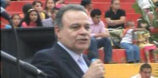Uno es importante para Dios   Fernando Lopez