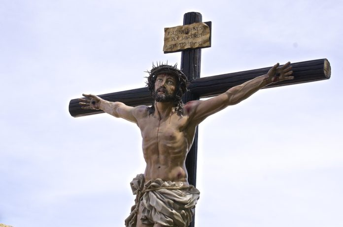 Nosotros no confiamos en un Cristo caído